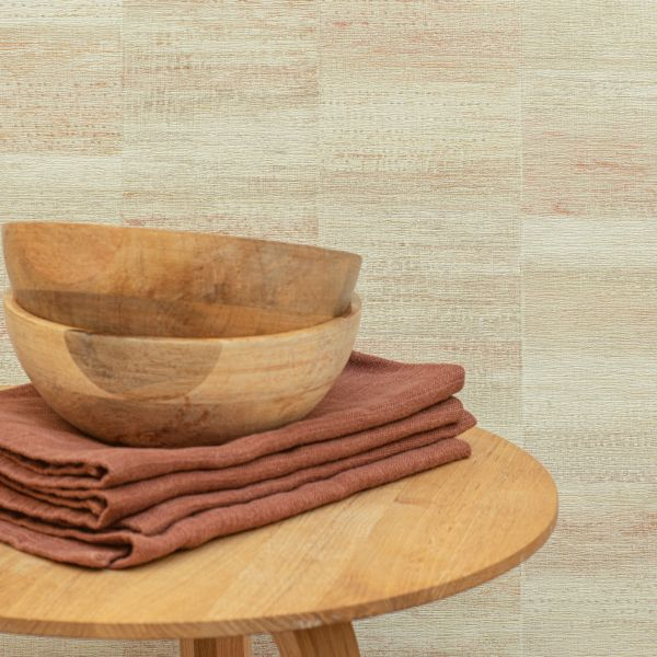 Utilizar papel pintado como decoración imitacion madera