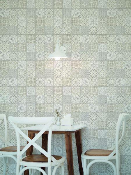 Utilizar papel pintado como decoración azulejos